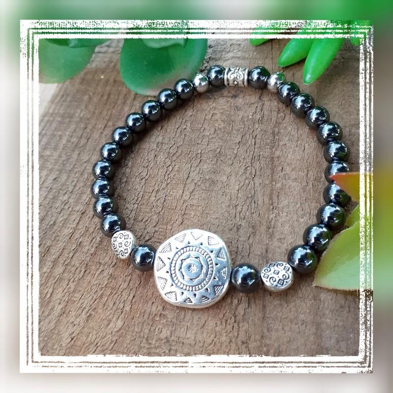 Bracelet hématite magnétique symbole soleil