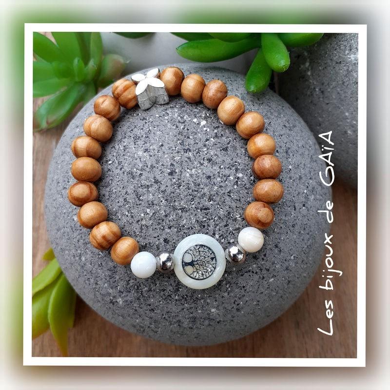 Bracelet bois médaillon nacre arbre de vie