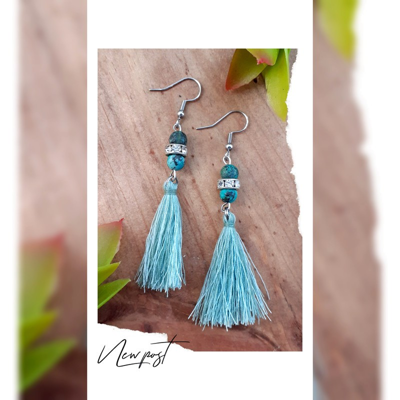 Boucles d'oreilles turquoise Africaine et pompon
