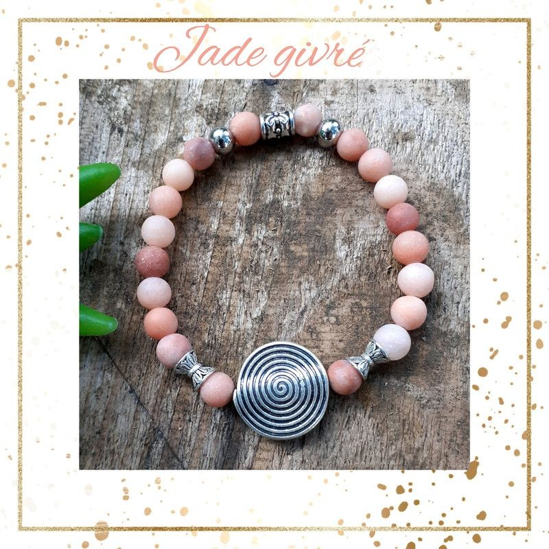 Bracelet jade givré médaillon spirale